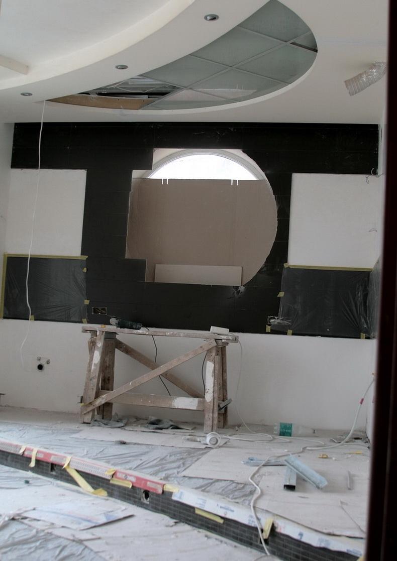 Покраска потолков в интерьере будущей кухни