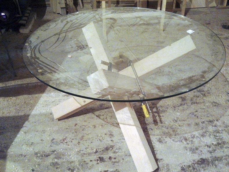 Черновая сборка конструкции стола