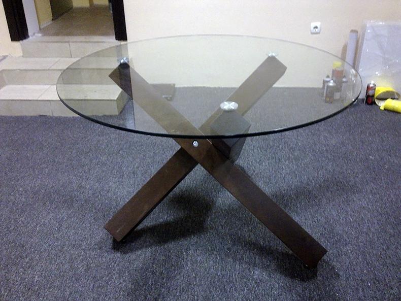 Чистовая сборка конструкции стола