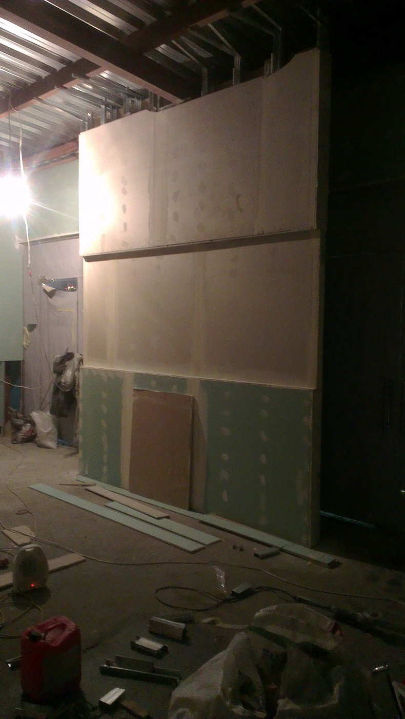 Монтаж гипсокартонных конструкций в магазине