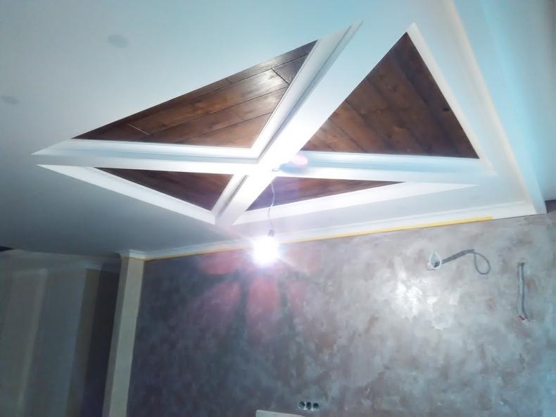 Монтаж деревянных панелей на потолок