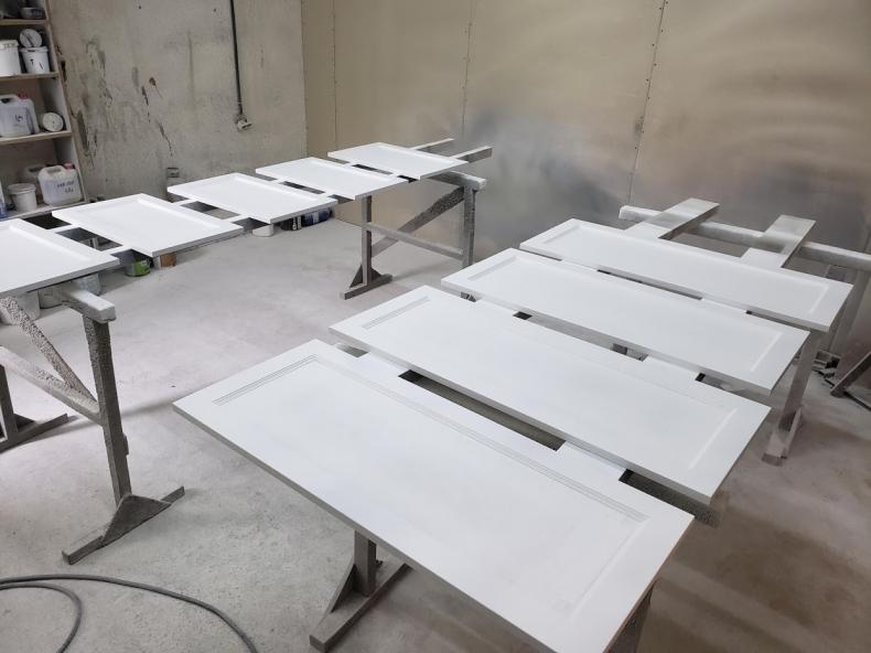 Покраска фасадов для кухни