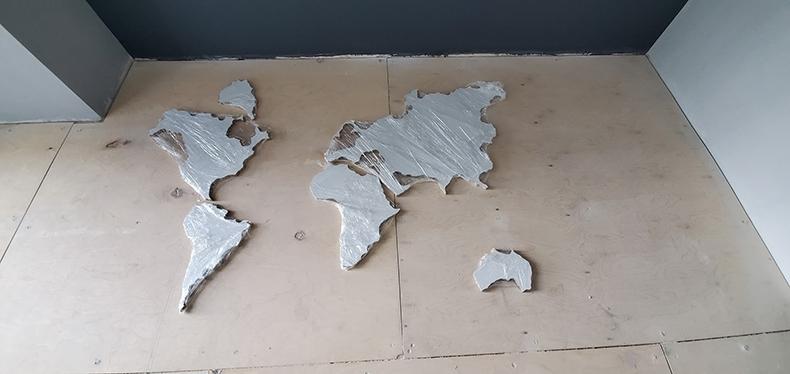 Изготовление декоративной карты из массива дерева