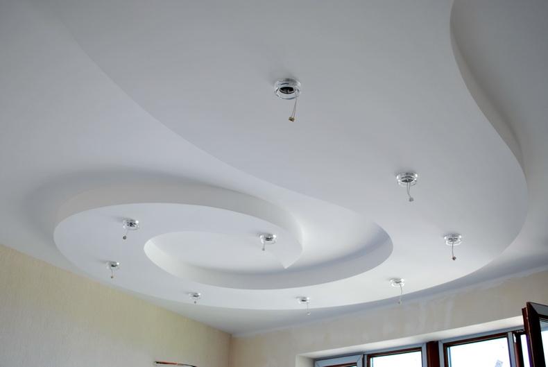 Монтаж точечных светильников на потолке