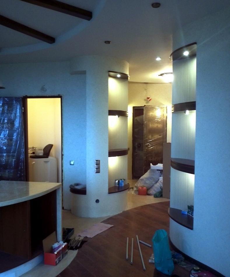 Монтаж деревянных полок с подсветкой