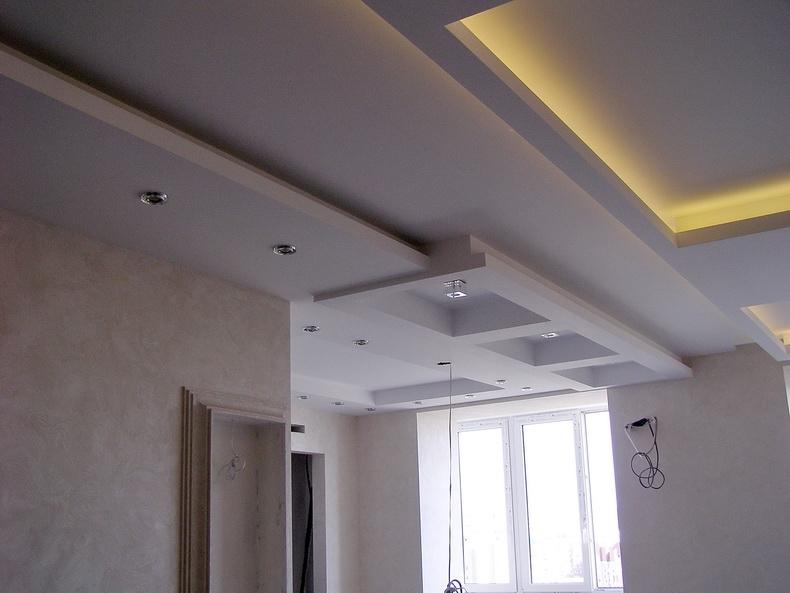 Монтаж источников света на потолок