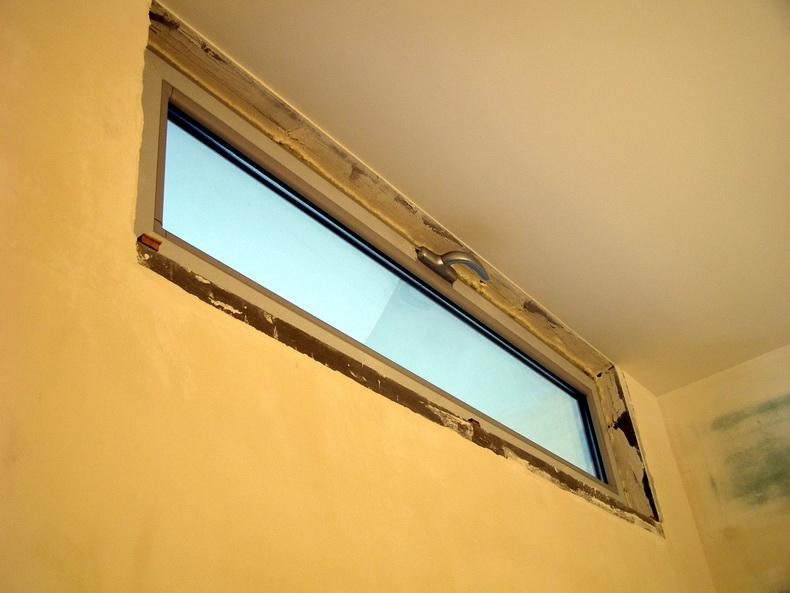 Монтаж конструкций из стекла в световые проемы