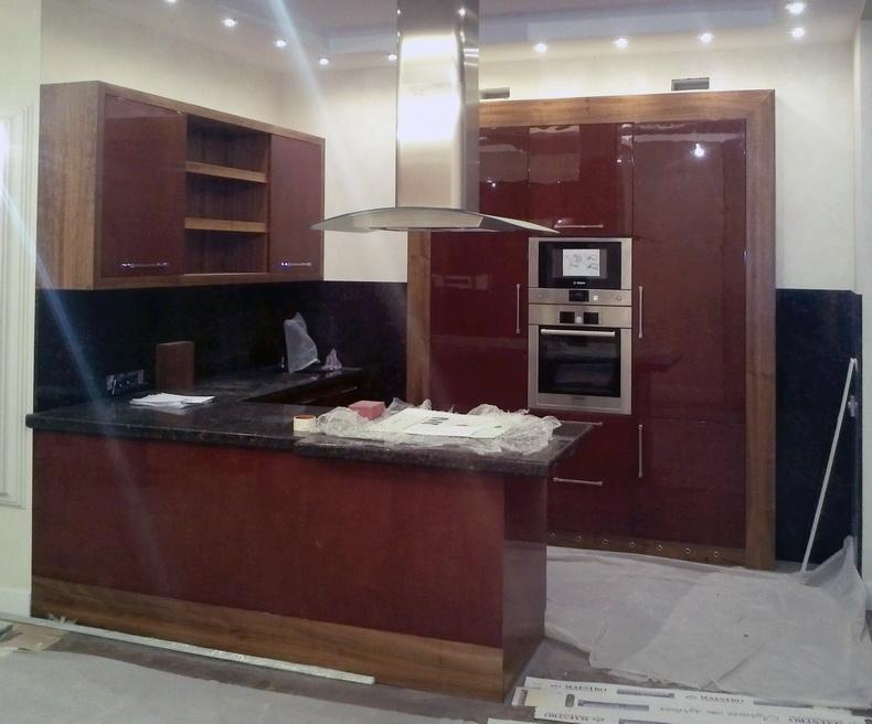 Монтаж бытовой встроенной техники в кухню