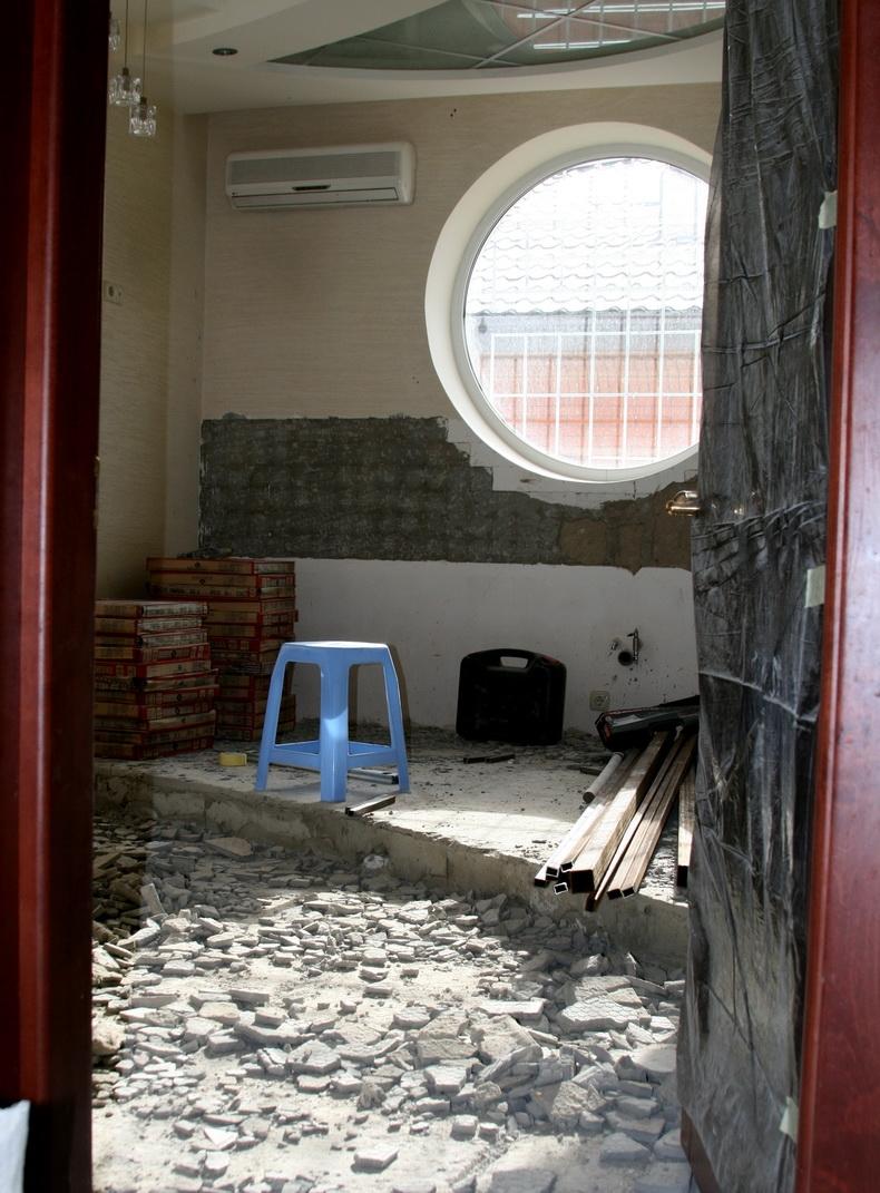 Демонтажные работы в помещении будущей кухни