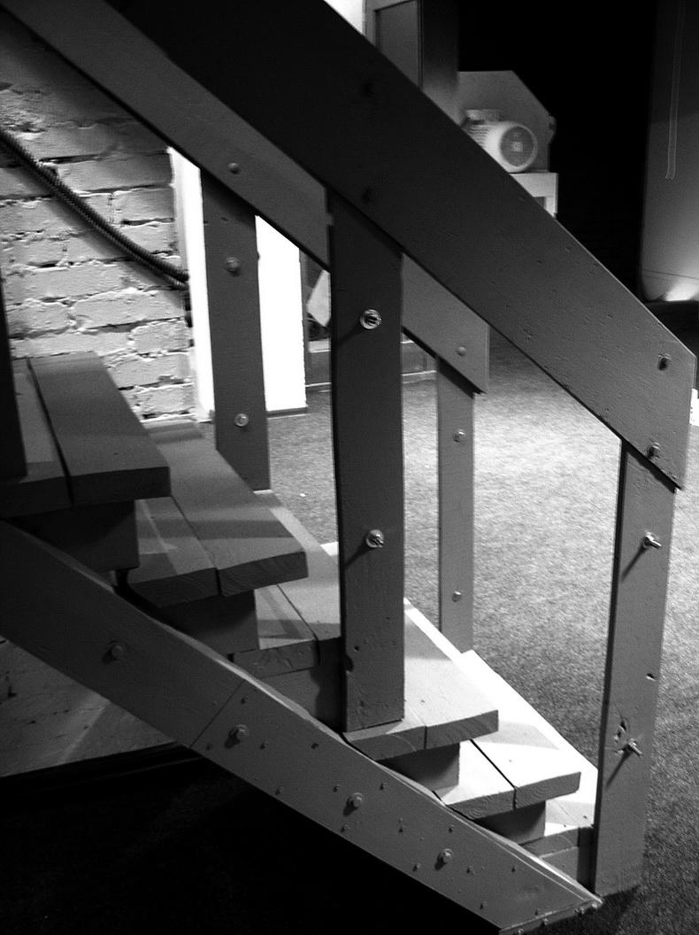 Сборка конструкции лестницы
