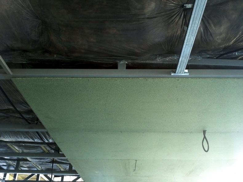 Зашивка потолка QSB-листами