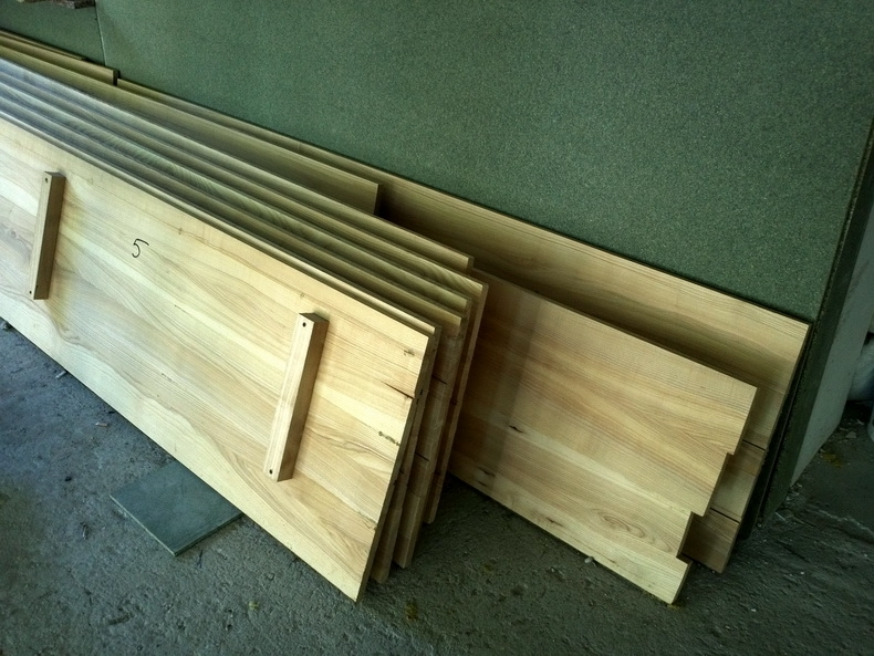 Изготовление деревянной зашивки карнизов по фасаду