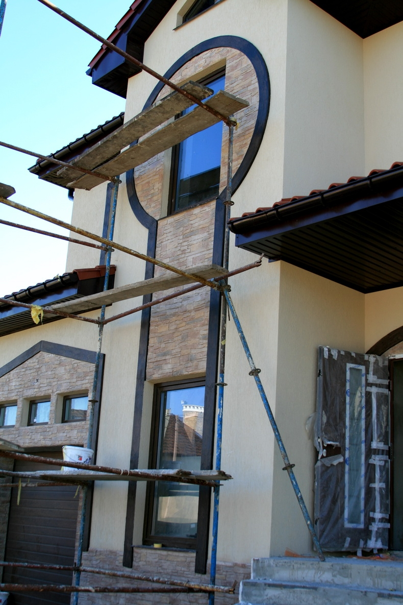 Декорирование фасада частного дома