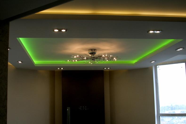 Проверка световых сцен в интерьере гостиной