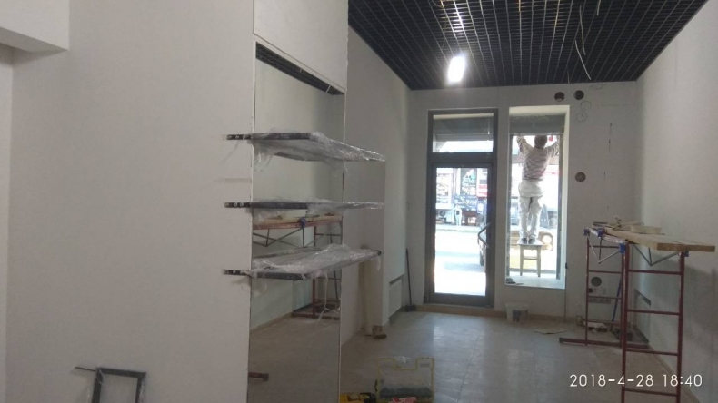 Монтаж конструкций в магазине