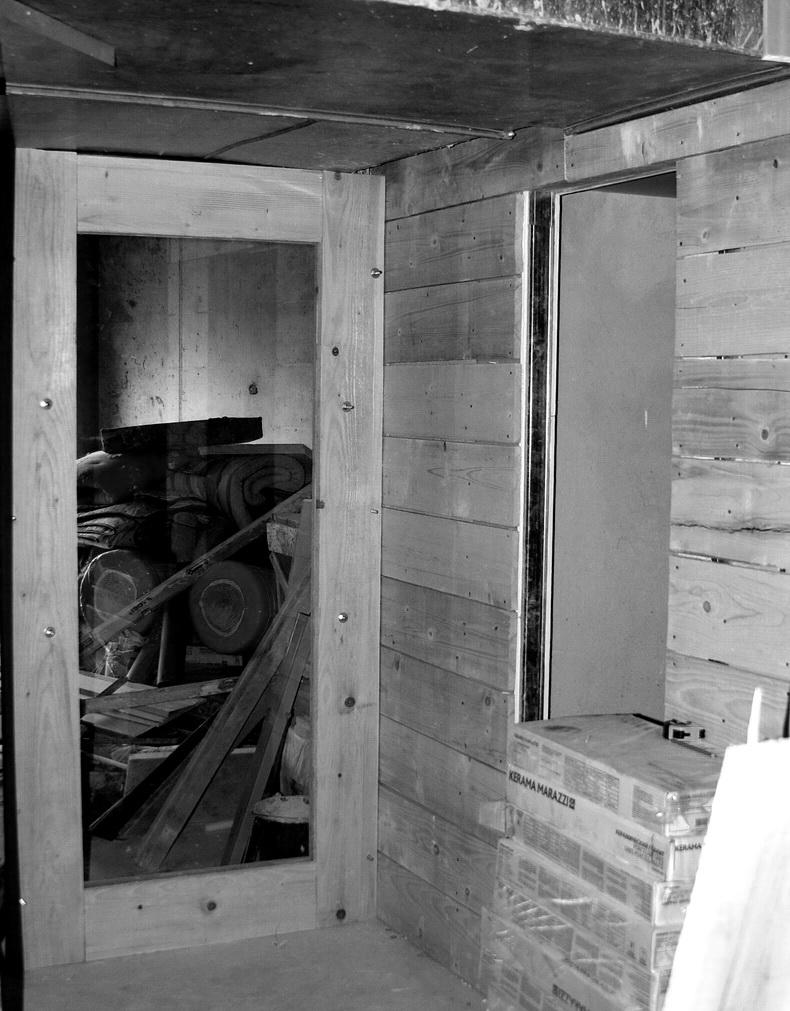 Ремонт в новом офисе - Монтаж перегородки из стекла