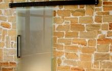 Раздвижные межкомнатные двери из закаленного стекла
