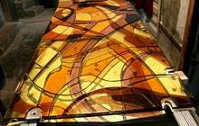 Эксклюзивная перегородка из закаленного стекла с применением фьюзинга