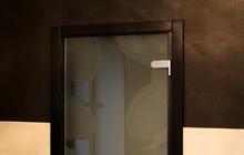Межкомнатная дверь из закаленного стекла