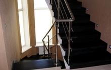 Изготовление лестницы из массива дуба с ограждением из нержавеющей стали