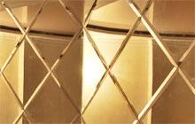 Панно из зеркальной плитки на трех плоскостях