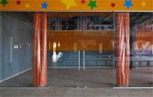 Витрина детского кафе из закаленного стекла