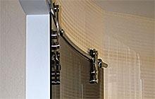 Радиусные раздвижные двери из закаленного тонированного стекла