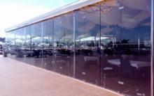 Раздвижная фасадная система для центра отдыха Private Elling