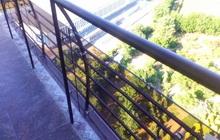 Ограждение балкона из закаленного стекла