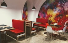 Ремонт под ключ изготовление мебели в кафе «CurryHouse»