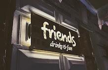 Ремонт под ключ изготовление конструкций в кафе «Friends»