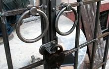Входная дверь из стекла и стали в бутик  «КУКЛА»