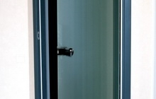 Межкомнатная радиусная стеклянная дверь