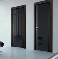 Дверь межкомнатная из стекла и массива дерева